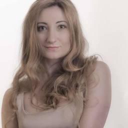 """Memorie e musica armene e """"Chi siete?"""" di Doriana Vovola, ponte tra Oriente ed Occidente a S. Lazzaro degli Armeni"""
