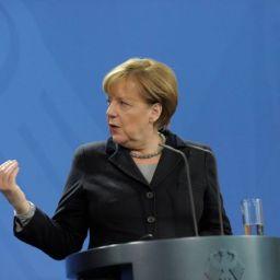 Angela Merkel: la Russia giocherà un ruolo chiave nella risoluzione del conflitto del Nagorno-Karabakh