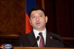 Il vice-Presidente del Parlamento armeno ricorda ad Aliyev i riferimenti all'Armenia degli antichi filosofi