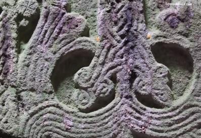 Dettaglio di un khachkar all'interno della chiesa.