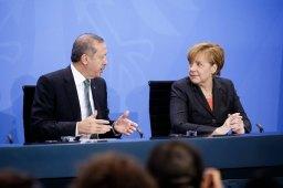 Risoluzione Armena: la Merkel si piega alle richieste di Erdogan