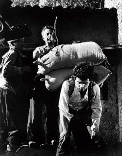 """Scene tratte dal film """"Il ribelle dell'Anatolia"""" (America, America). (Fonte: imdb.com)"""