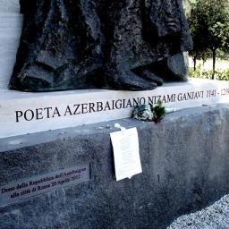 Falsi storici: anche il poeta persiano Ganjavi diventa azero