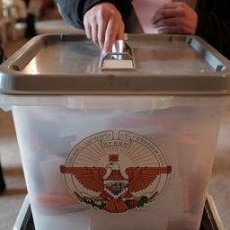 NKR al voto oggi per il referendum costituzionale