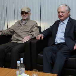 Charles Aznavour a Yerevan per i suoi 93 anni