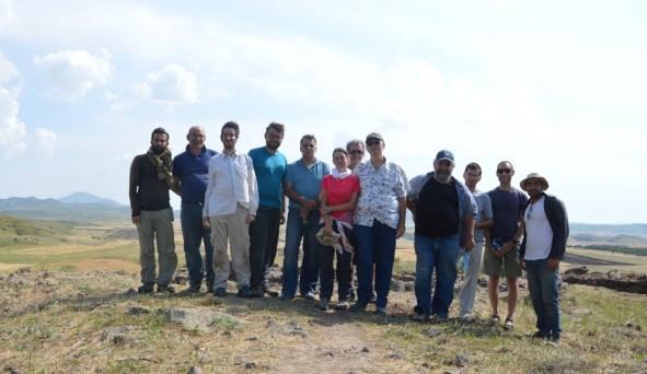 Foto di gruppo della missione. Al centro la vice-direttrice Priscilla Vitolo.
